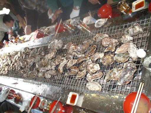 [炭火焼き牡蠣]とれたて漁師の店 稲荷丸